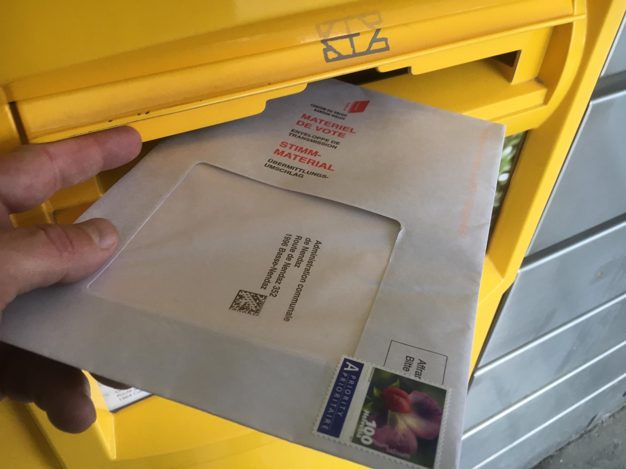 Verwaltung, Finanzen und Politik: Stimmabgabe per Korrespondenz